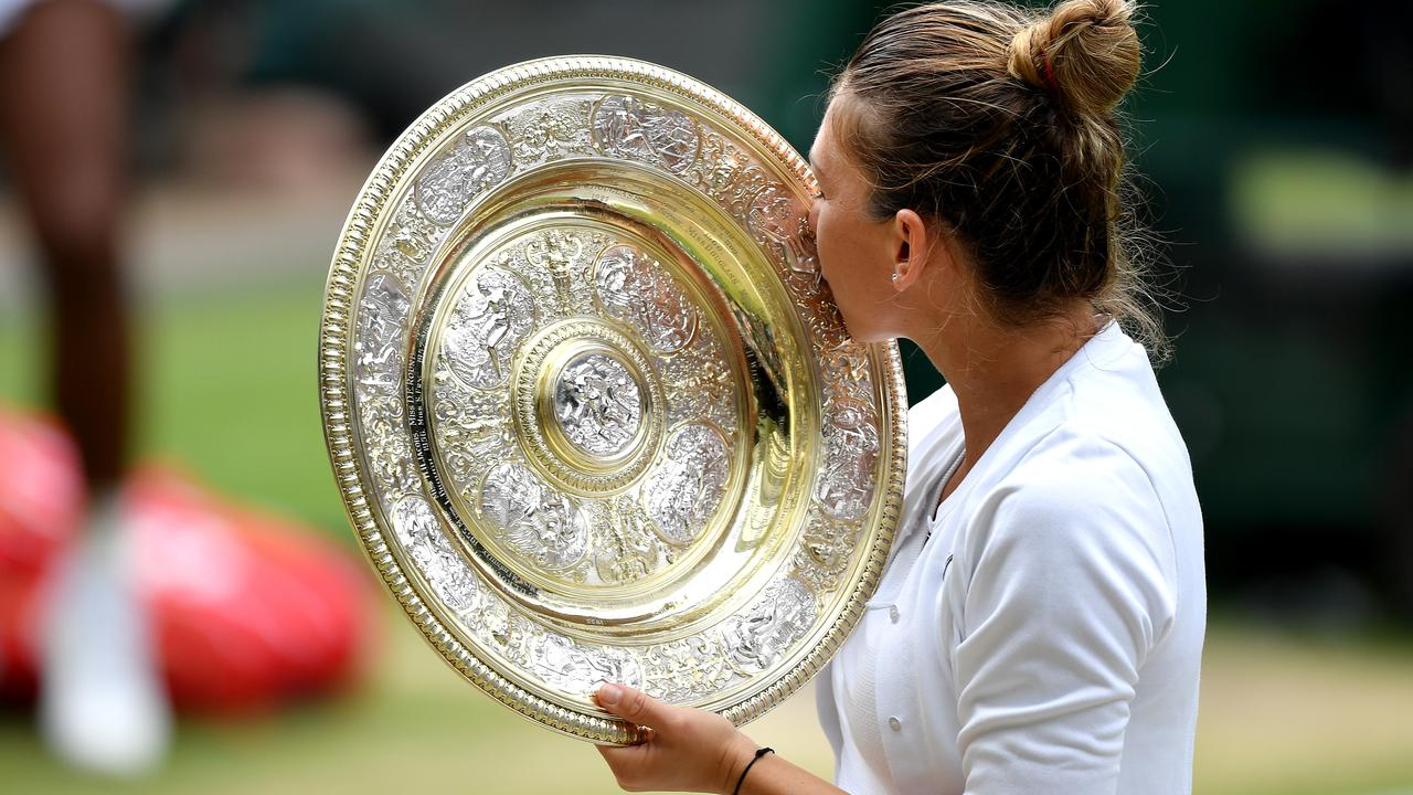 Simona Halep claims Wimbledon title to deny Serena Williams a share of grand slam record