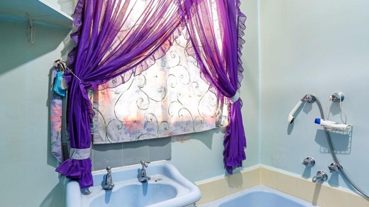 114 Waranga Cres, Broadmeadows even came with purple drapes.