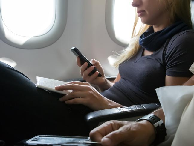8. ARMREST RULES The middle seat gets the armrest. Let's face it, you're up the creek without a paddle if you land the middle seat, so be kind and if you've bagged the window or aisle and ease off the centre armrest.   I GOT STUCK IN A MIDDLE SEAT FOR 23 HOURS. AND WON