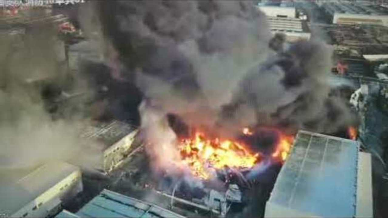 More Than 300 Firefighters Respond to Shanghai Blaze