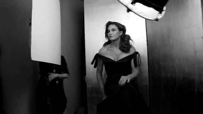 Caitlyn Jenner fronts Vanity Fair
