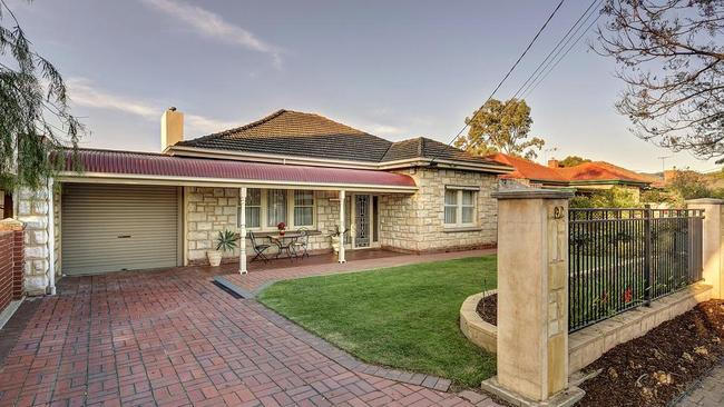 60 Albert St, Prospect sold for $690,000 at auction.